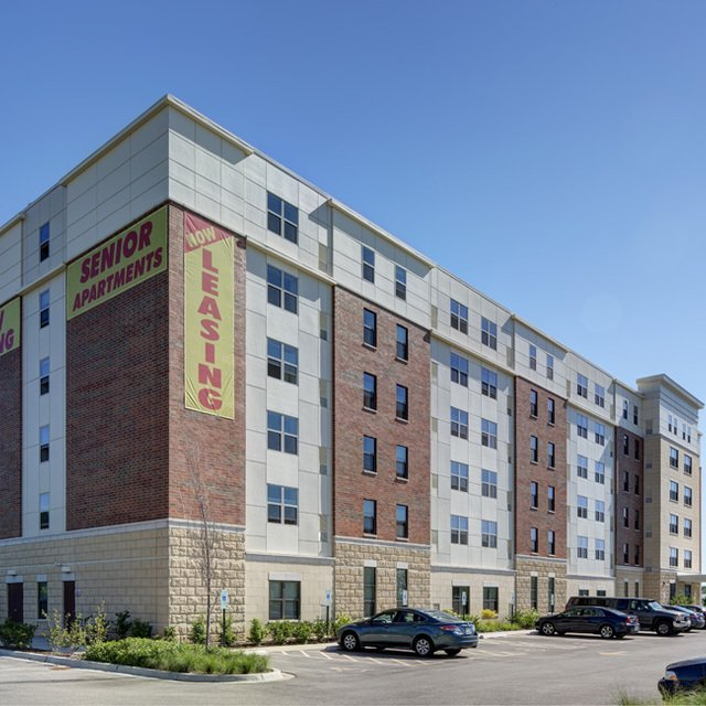 Fountain Square Apartments: Waukegan, IL Apartment For Rent