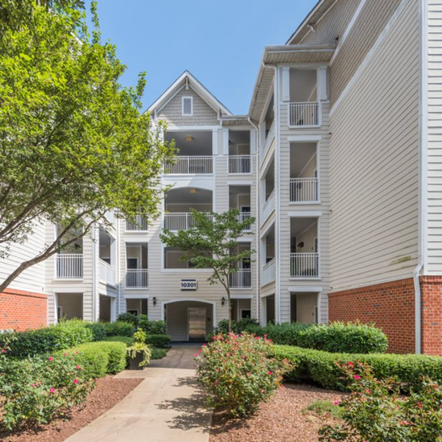 Apartments In Raleigh Nc With Paid Utilities: Summermill At Falls River